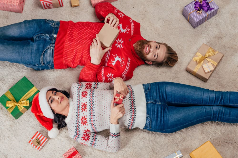 Christmas picture ideas for couples - Shutterturf