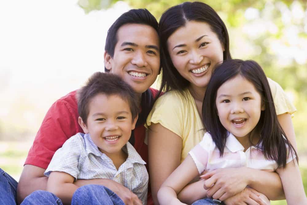 Spring Family Photo Color Schemes - Shutterturf