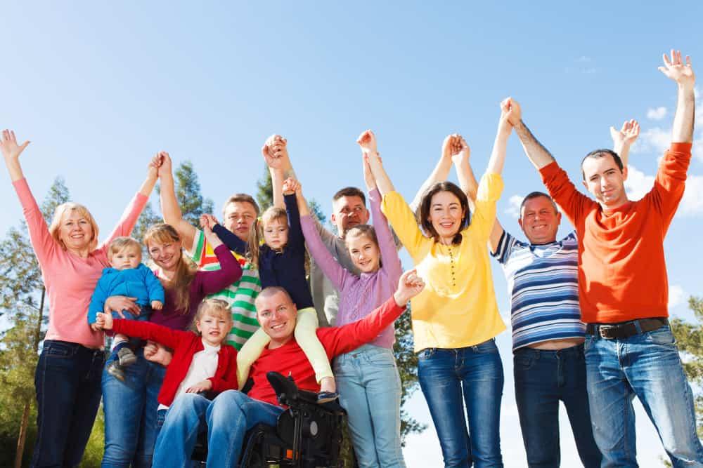 Large Family Photo Ideas - Shutterturf