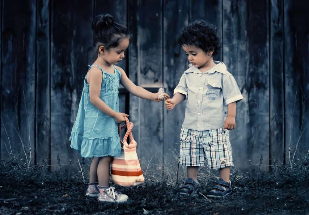 Sibling Photo Ideas - Shutterturf